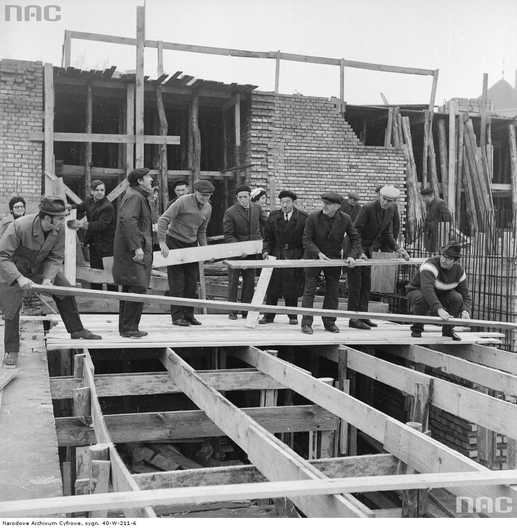 Czyn społeczny działaczy Zjednoczonego Stronnictwa Ludowego podczas odbudowy  Warszawy