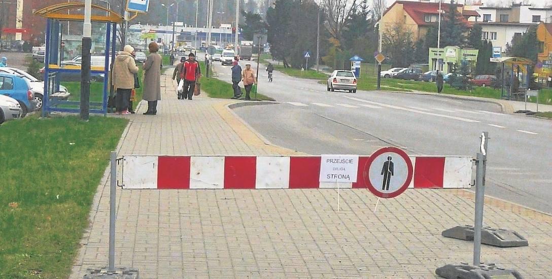 Zakazy dla pieszych, choć remont nie ruszył