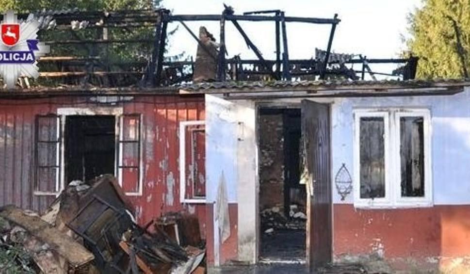 Film do artykułu: Gorzków-Wieś. Pożar drewnianego domu. Budynek doszczętnie spłonął