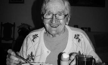 SALCIA. 93 lata. Najstarsza żyjąca spośród 11 rodzeństwa. Jej siostra zginęła w Oświęcimiu. W czasie wojny pracowała u Niemców. Najlepsza gospodyni -
