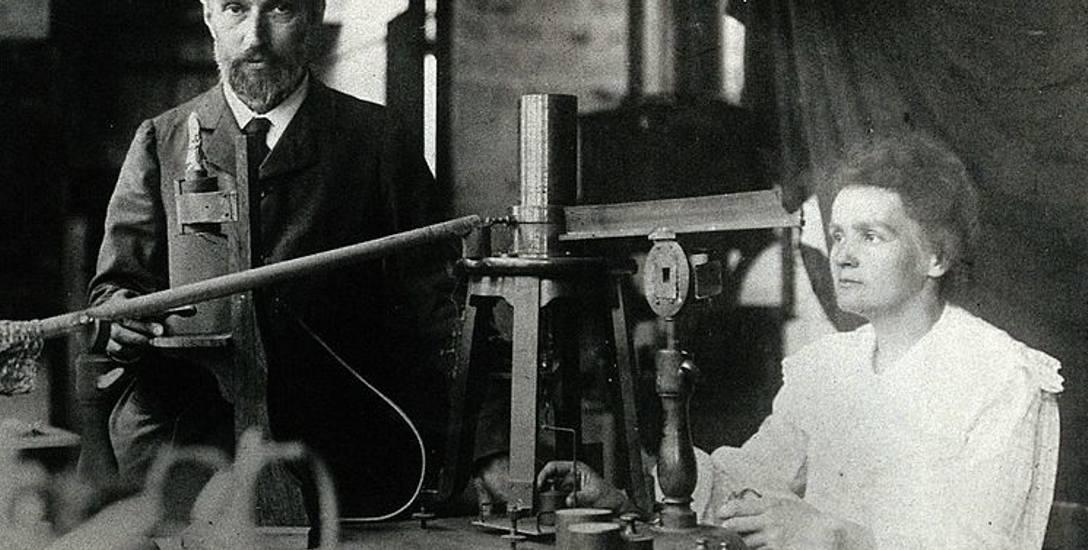 Maria z mężem w laboratorium