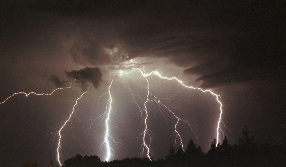 Film do artykułu: Gdzie jest burza? Burzowa mapa Polski ONLINE RADAR BURZOWY
