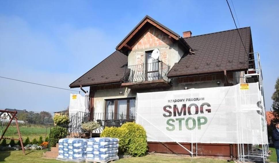 """Film do artykułu: Termomodernizacja. W Małopolsce będzie pierwszy budynek docieplony w ramach programu """"Czyste powietrze"""""""