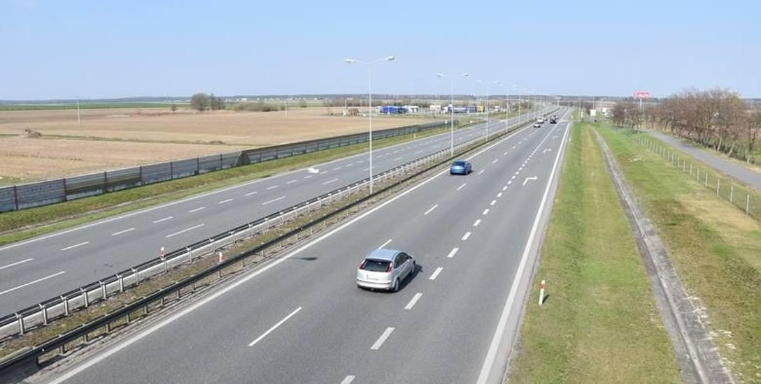 Prezydent Opola zaznacza, że miasto powinno z całych sił zbliżać się do autostrady, bo takie ośrodki jak Gliwice czy Łódź zyskują na sąsiedztwie takich