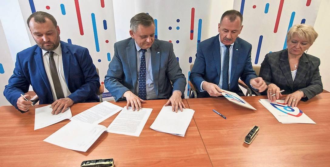 W siedzibie MZK została podpisana umowa między Miejskim Zakładem Komunikacji a firmą Volvo, która ma dostarczyć nowe pojazdy, które produkowane są w