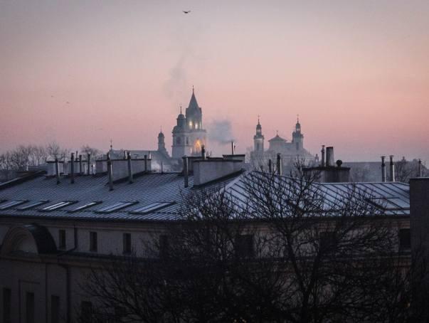 Smog w Lublinie. Stan powietrza jest bardzo zły. Normy przekroczone. Lepiej nie wychodzić z budynków