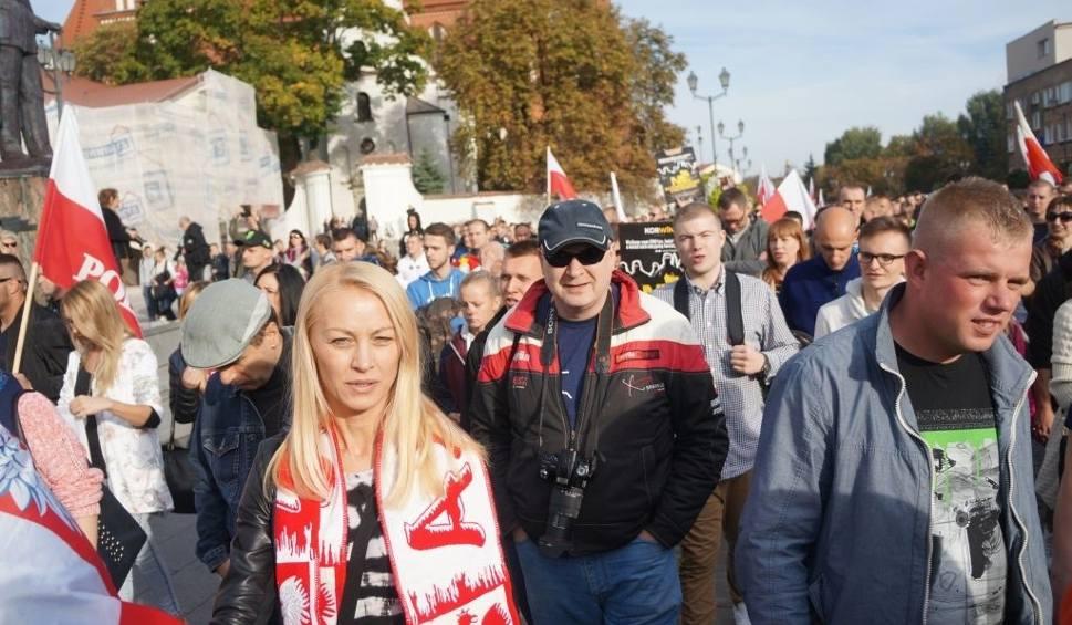Film do artykułu: Marsz Podlasie bez imigrantów wyruszył sprzed katedry (zdjęcia, wideo)