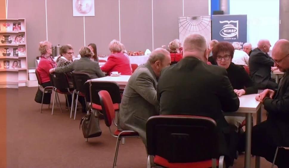 Film do artykułu: Magazyn Informacyjny. Gorzowscy seniorzy mają powody do radości. Powstał ich klub [WIDEO]