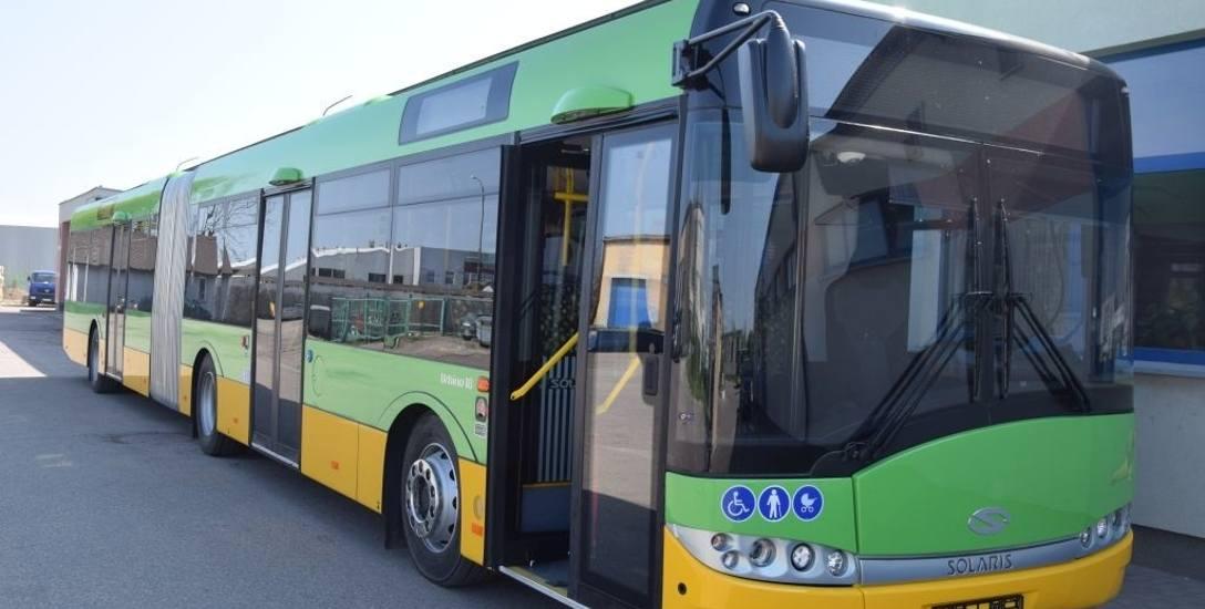 Nowy autobus ma silnik na olej napędowy z normą Euro 6. Ale najważniejsze, że jest duży i może pomieścić znacznie więcej pasażerów niż pojazdy używane
