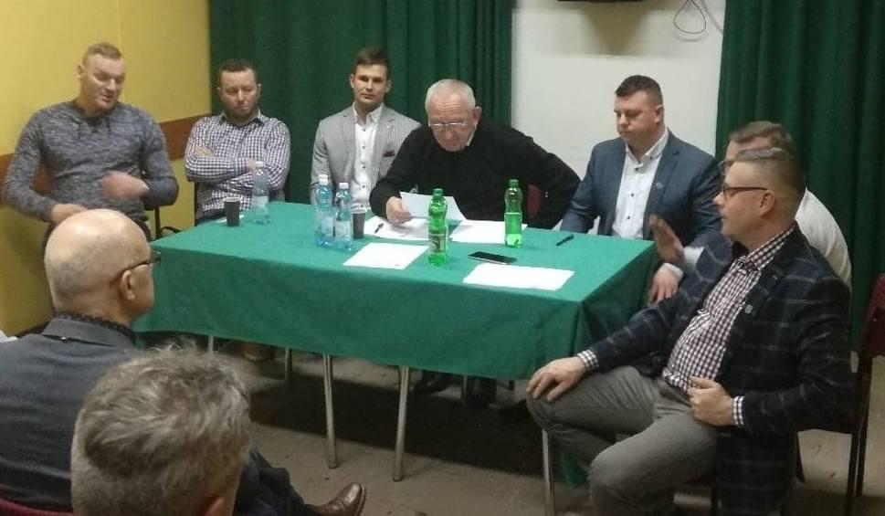 Film do artykułu: Ważne zmiany w zarządzie naszego klubu piłkarskiego. Piotr Godek zastąpił Pawła Tobołę w Spartakusie Daleszyce