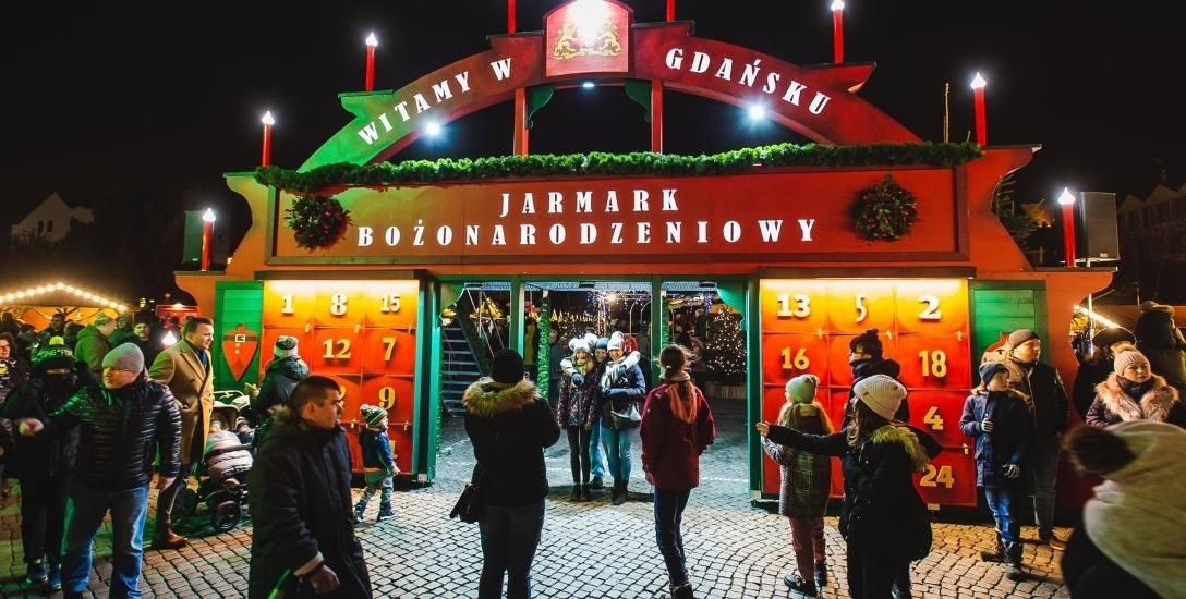 Gdański Jarmark Bożonarodzeniowy. Tegoroczną nowością jest pełniąca funkcję kalendarza adwentowego 5-metrowa brama