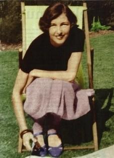 Pierwowzór Vesper Lynd - KrystynaSkarbek, zwana polską Matą Hari. Podczas II wojny pracowała dla brytyjskiego wywiadu