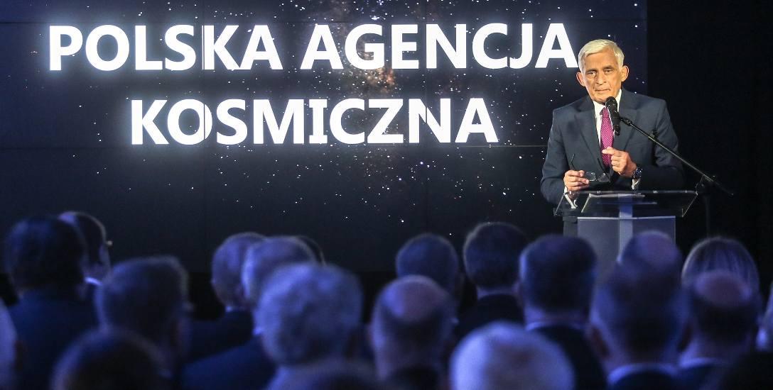 Siedzibę Polskiej Agencji Kosmicznej w Gdańskim Parku Naukowo-Technologicznym uroczyście otwarto w lipcu 2015 roku