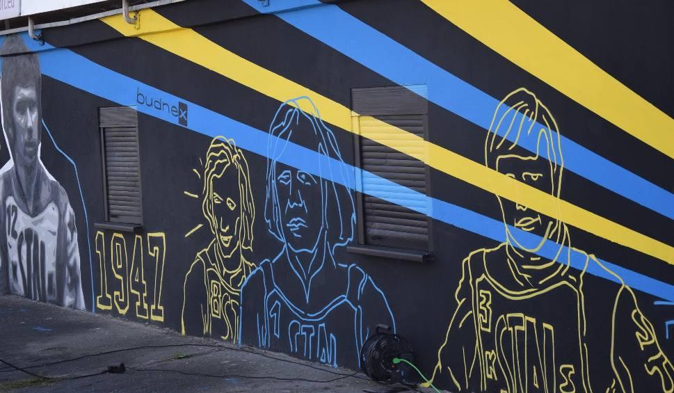 Film do artykułu: Na stadionie im. Edwarda Jancarza w Gorzowie powstał mural z zawodnikami Stali!