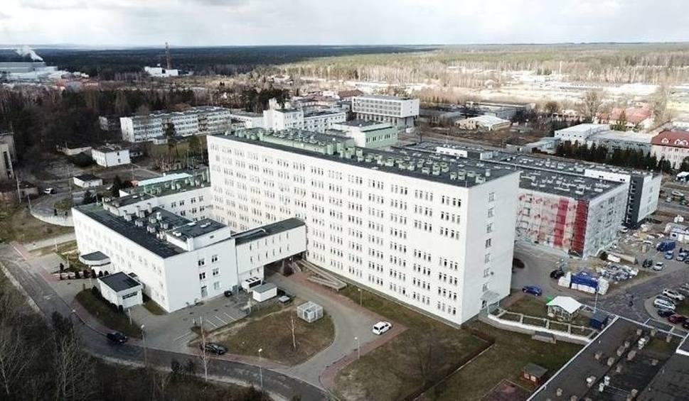 Film do artykułu: Szpital w Starachowicach znów tylko dla zakażonych. Czwarta fala przybiera na sile