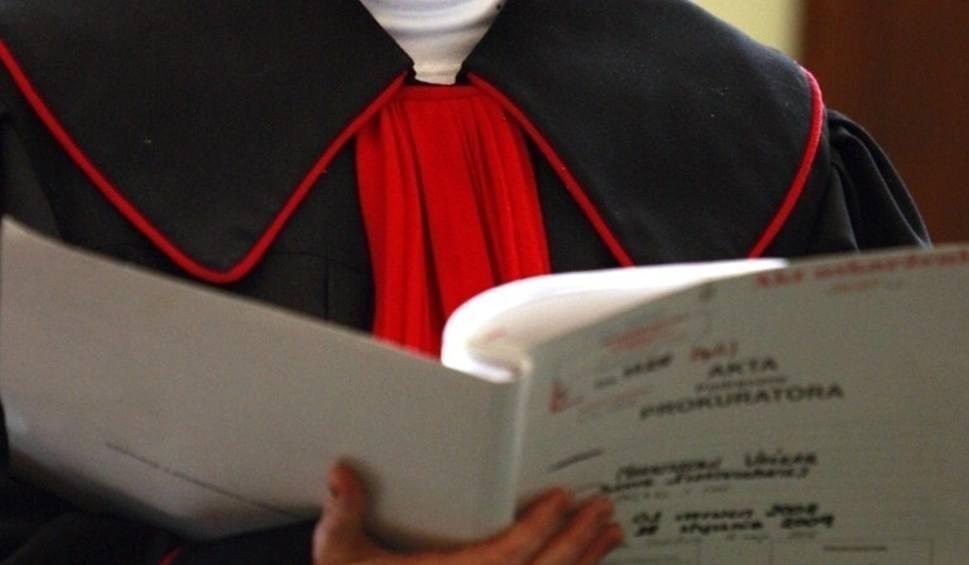 Film do artykułu: Wyłudzenia kredytów w Łodzi. Prokuratura oskarża pośrednika finansowego