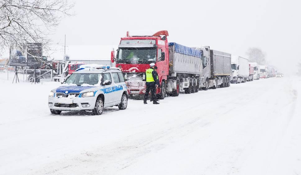 Film do artykułu: Zima 2019. Białystok sparaliżowany przez zimę. Magistrat: To była nawałnica 30-lecia (zdjęcia, wideo)