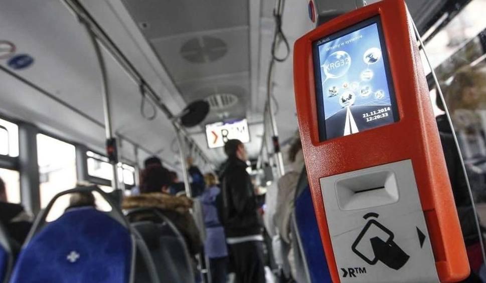 Film do artykułu: Uwaga! Objazdy dla autobusów miejskich w związku z przebudową wiaduktu nad al. Wyzwolenia w Rzeszowie