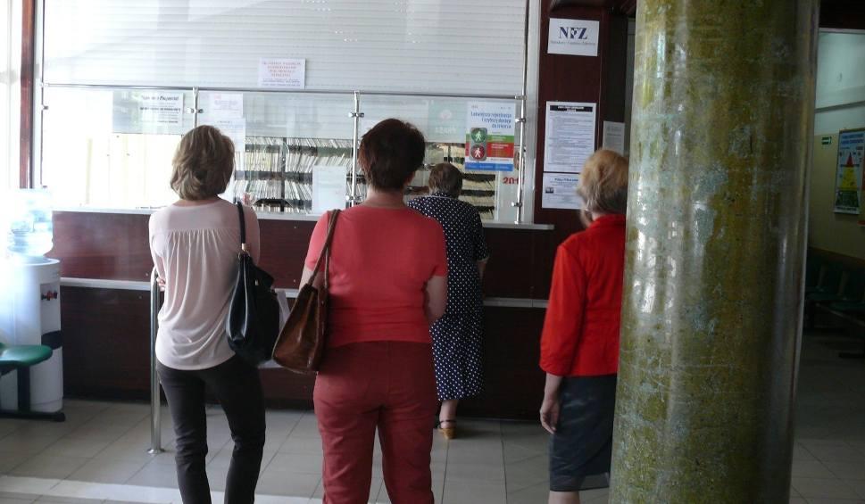 Film do artykułu: Kolejki do specjalistów w szpitalu w Stalowej Woli. Czeka się miesiącami
