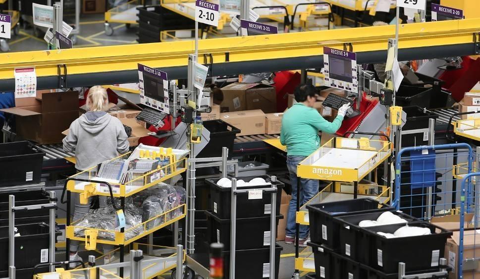 Film do artykułu: Amazon w Sosnowcu otwiera centrum logistyczne. Rekrutacja do pracy w Amazon trwa. Kogo szukają?