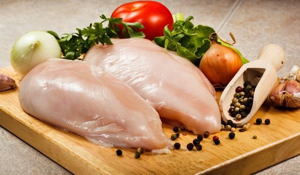 Film do artykułu: Filety z kurczaka skażone fipronilem. To pewne: zjedliśmy tonę skażonych filetów