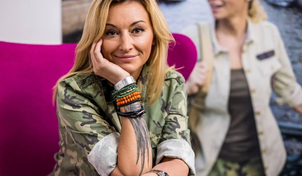 """Film do artykułu: Martyna Wojciechowska: Plastik nie taki zły. Butelki plastikowe lepsze od szklanych? Fani krytykują: """"To co pani reklamuje jest straszne"""""""
