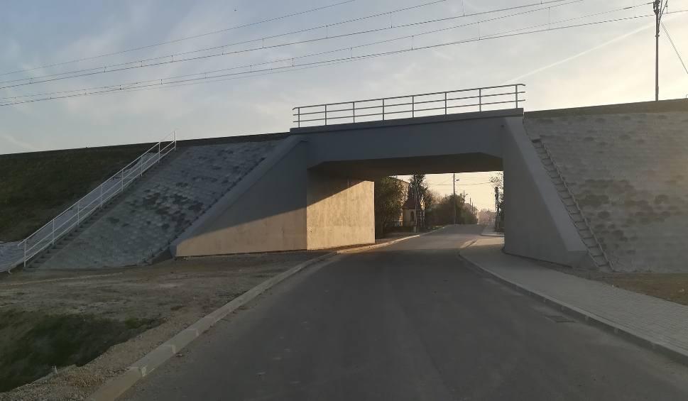 Film do artykułu: Inwestycje PKP PLK w podkarpacką linię. Dzięki remontom wiaduktów w Ostrowie i Radymnie pociągi pojadą szybciej