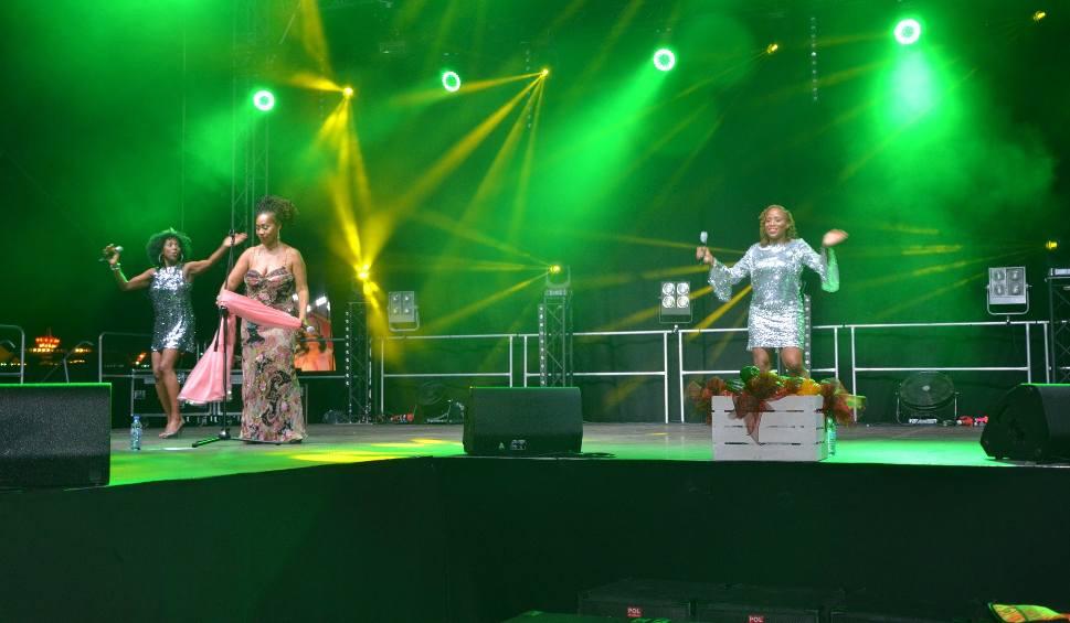 Film do artykułu: XIV Święto Papryki w Klwowie. Było wiele atrakcji! Zagrał zespół Boney M.