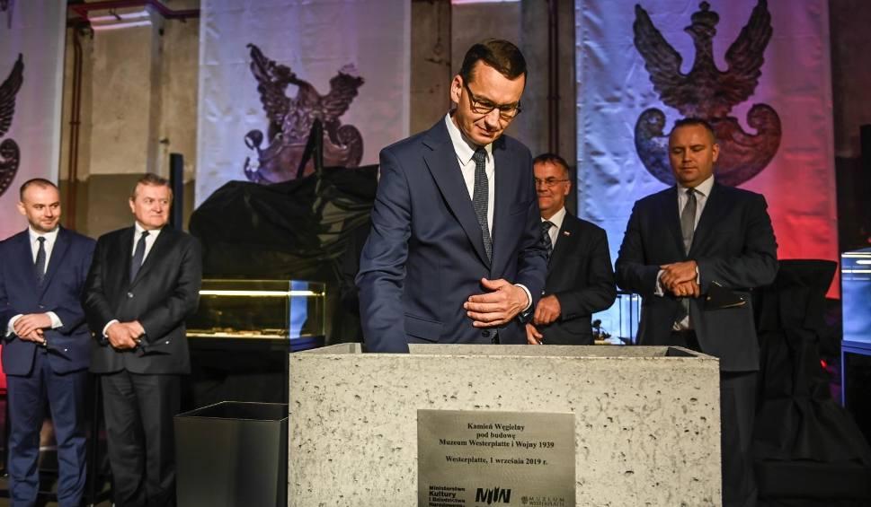 Film do artykułu: Premier Mateusz Morawiecki dokonał wmurowania kamienia węgielnego pod Muzeum Westerplatte i Wojny 1939