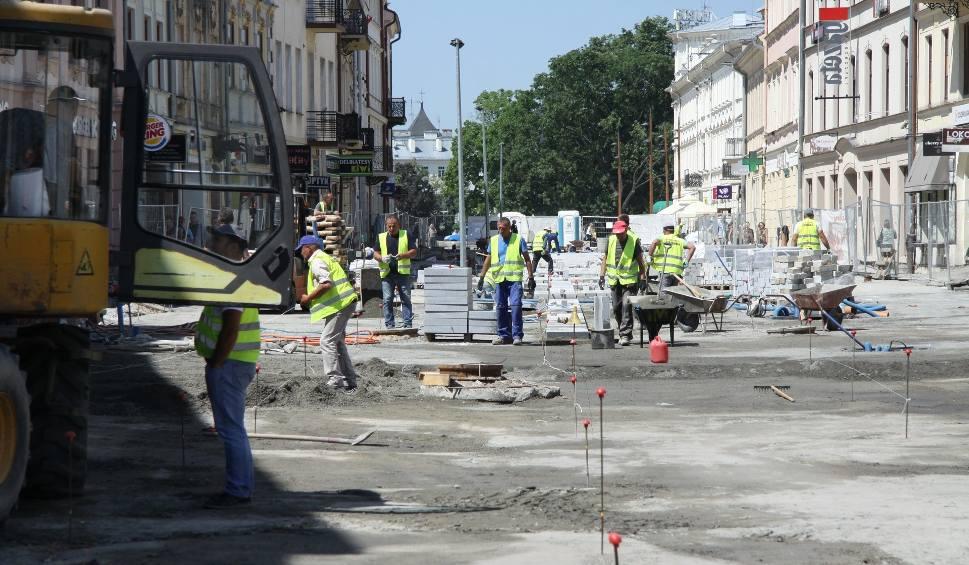 Film do artykułu: Remont deptaka w Lublinie będzie dłuższy i droższy. Kiedy będzie można swobodnie przejść?