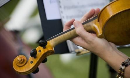 O oprawę muzyczną w kościele może zadbać np. zespół smyczkowy.