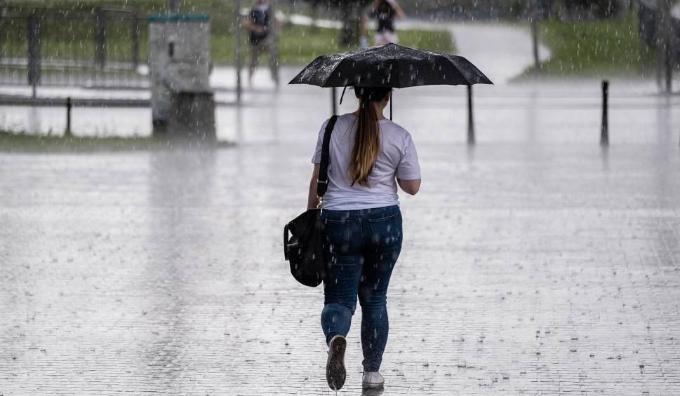 Film do artykułu: Intensywne opady deszczu na całym Podkarpaciu. Ostrzeżenia 1 i 2 stopnia wydał IMGW