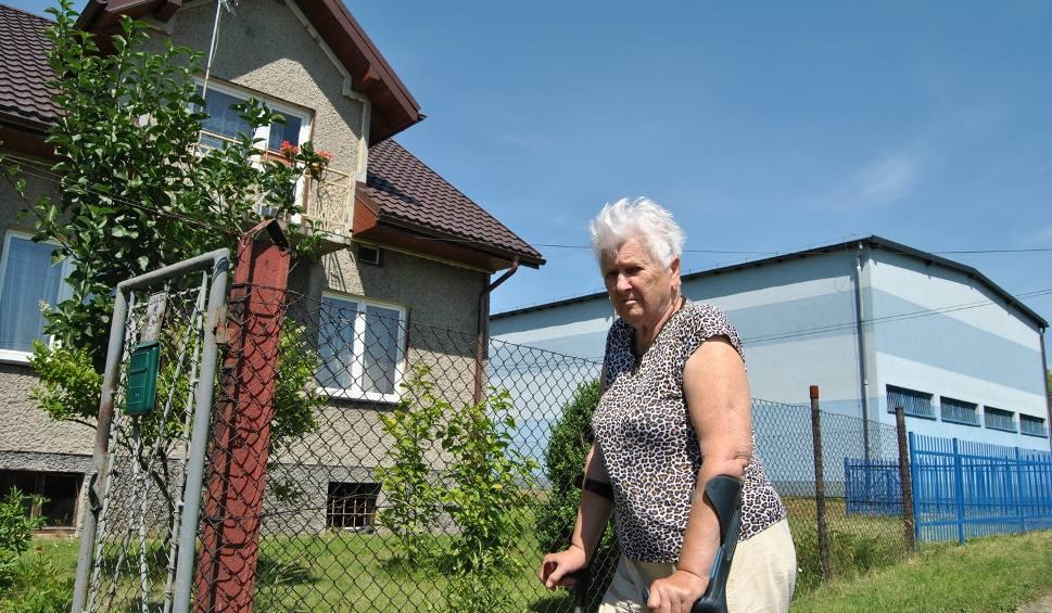 Film do artykułu: Chrzanów. Sąsiedzi przepędzili włamywacza siekierą, ratując panią Marysię
