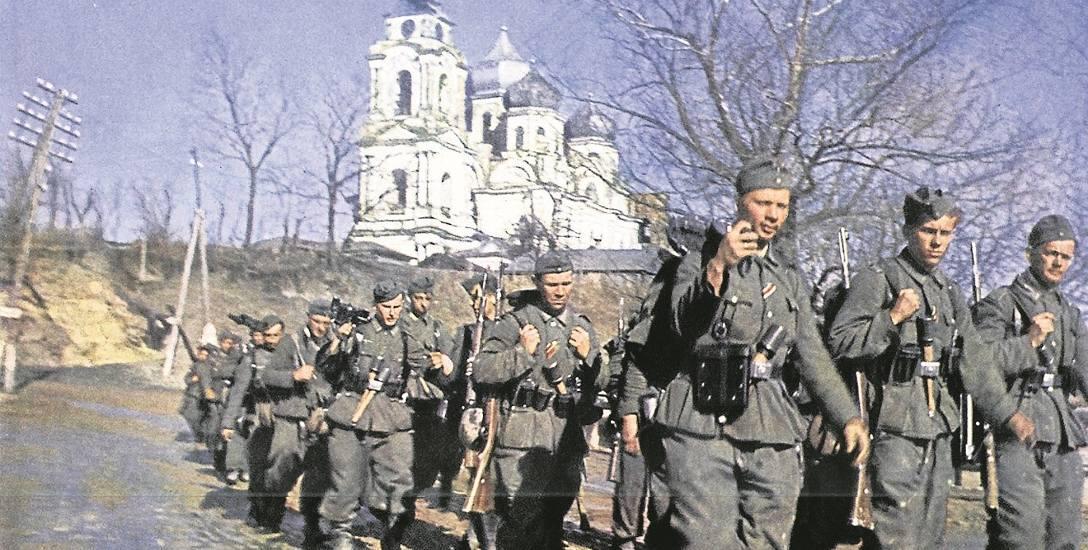 Niemiecki oddział w jednej z rosyjskich miejscowości, sierpień 1941 r.