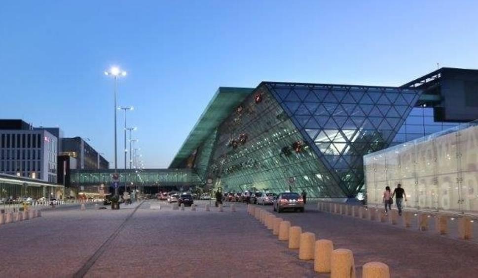 Film do artykułu: Balice. Sześć milionów pasażerów na krakowskim lotnisku