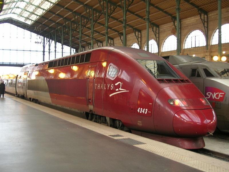 Pociąg TGV Thalys PBKA na dworcu Paryż-Nord