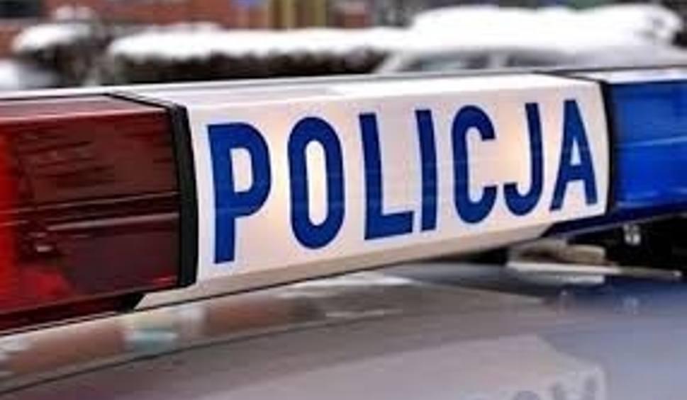 Film do artykułu: Wypadek na drodze 79 w Ciepielowie. Kierowca BMW wbił się pod ciężarówkę!