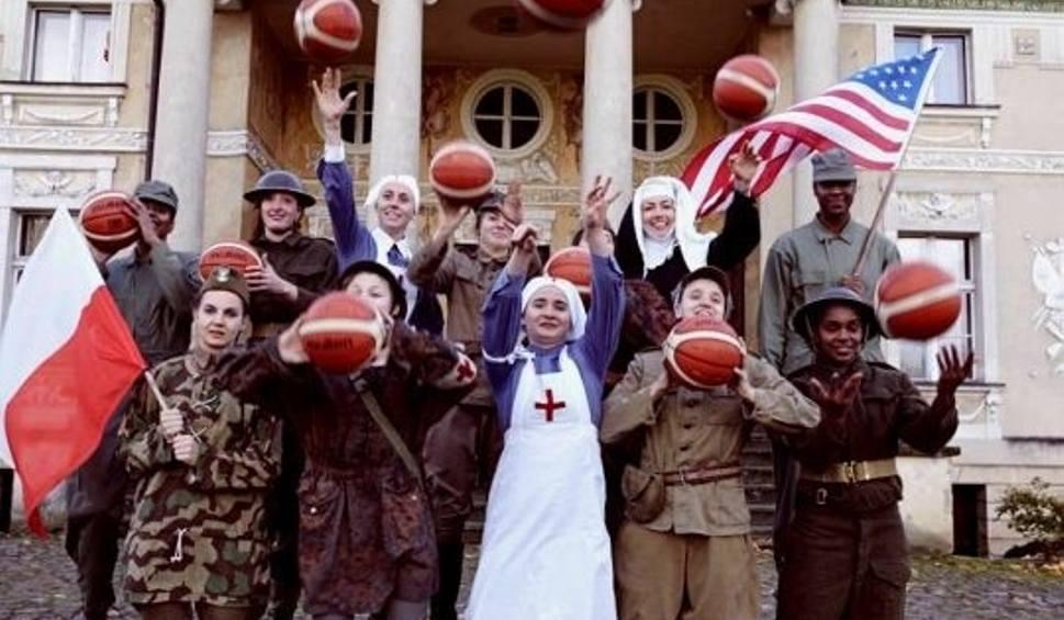 Film do artykułu: Koszykarki Ostrovii udawały wojenne dziewczyny
