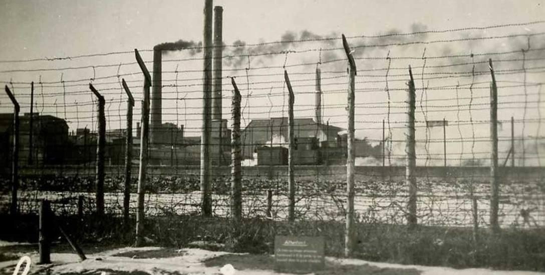 """Od grudnia 1942 r. do jesieni 1944 r. Niemcy w Mątwach utrzymywali """"Oflag 10 Montwy"""", w którym więzili przeciętnie około tysiąca oficerów francuskich"""