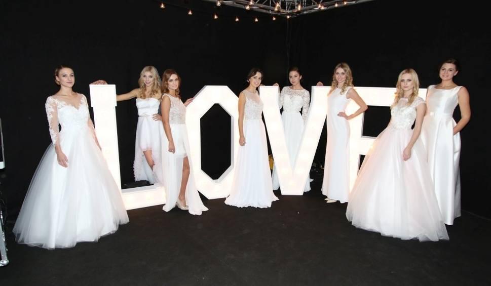 Film do artykułu: Targi Mody Ślub w Kielcach z pokazami sukien i… bielizny (WIDEO, ZDJĘCIA)