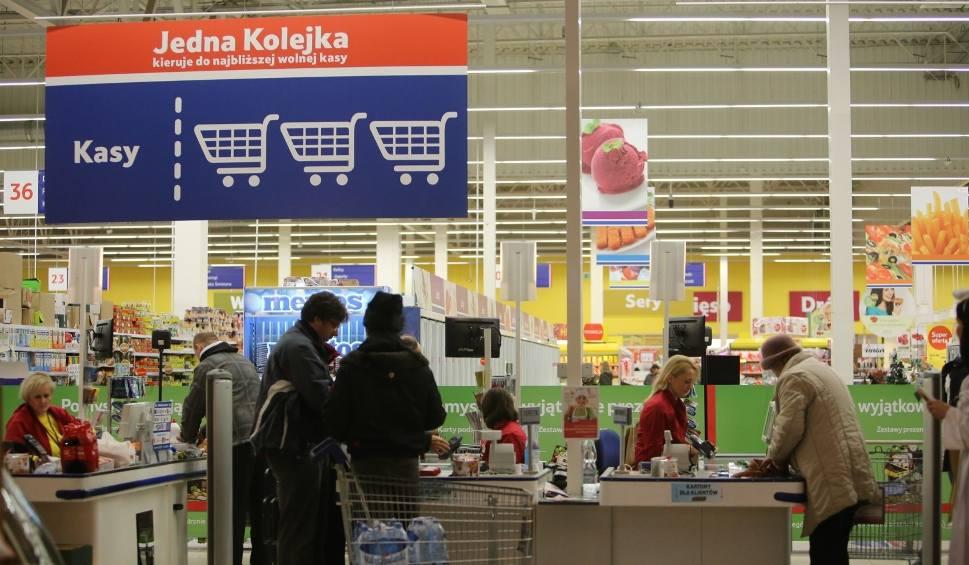 Film do artykułu: 2 maja strajk w sieciach handlowych! Czy sklepy będą otwarte?
