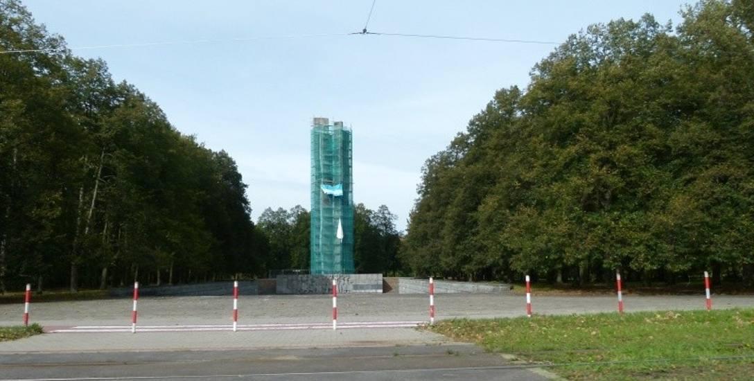 Remontują Pomnik Czynu Rewolucyjnego na Zdrowiu w Łodzi