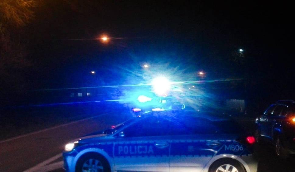 Film do artykułu: Ostrożne. Śmiertelny wypadek na drodze gminnej. Kierowca pojazdu osobowego potrącił 73-letniego rowerzystę