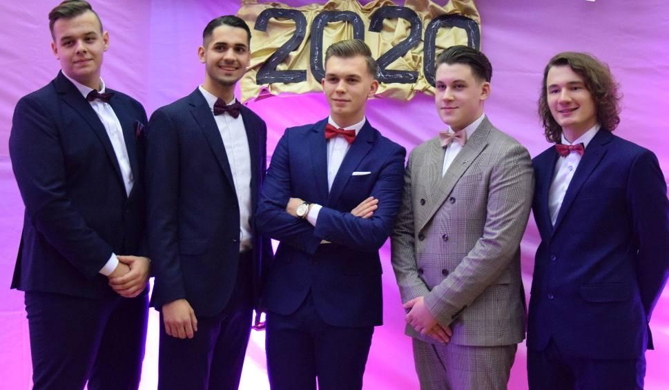 Film do artykułu: Studniówki 2020 w Szydłowcu. Młodzież z liceum imienia Henryka Sienkiewicza ma za sobą wspaniały bal