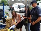 Policjanci sprawdzili... ziemniaki. Nietypowa kontrola na targowisku