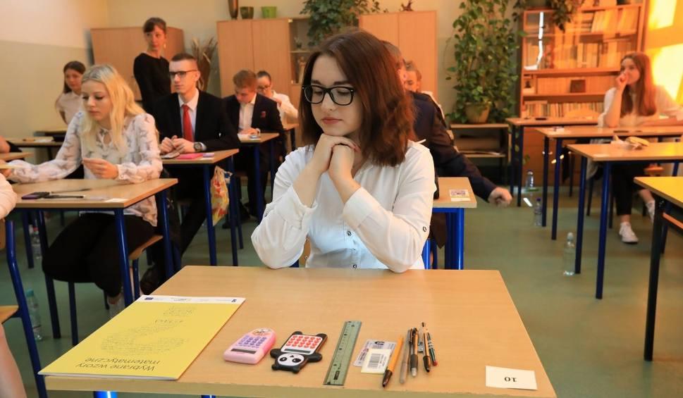 "Film do artykułu: ""Brak matematyki na maturze to absurd"". MEN odrzuca sugestie NIK"