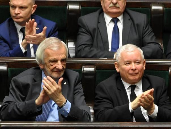 """Sejm przyjął program 500+. """"Ważny dzień dla polskich rodzin"""""""