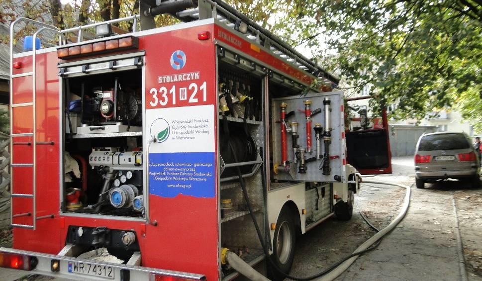 Film do artykułu: Wielki pożar stodoły w Wierzbicy gasiło 31 strażaków. 25 tysięcy złotych strat