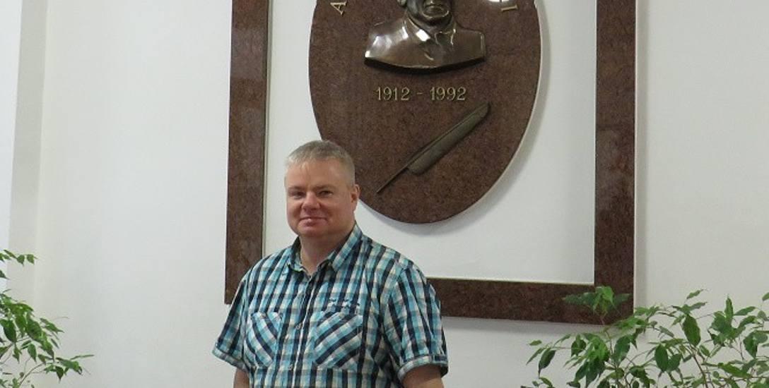 Poliglota Szymon Kasperek