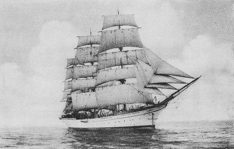 Dar Pomorza w 1915 roku. Jeszcze pod banderą niemiecką jako Prinzeß Eitel Friedrich.